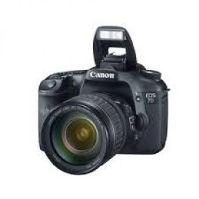 Canon EOS 7D Black SLR Kit(w/28-135mm lens)